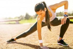 Ist der Säure-Basenhaushalt im Gleichgewicht, soll der Körper Fett leichter abbauen können - das Training wird effektiver. Foto: djd/Jentschura International/Crdjan/Shutterstock.com